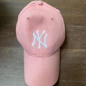 Youth Yankees hat in fuc